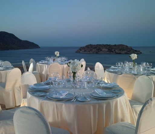 Enjoy have an intimate rehearsal dinner at the romantic setting of our reception areas.