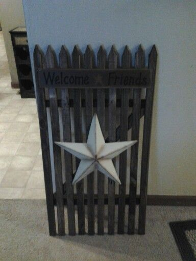 Country fence yard decor  I this this with white paint and a colorful star would be a cute decoration for a patriotic theme for the yard :) 4th of July maybe?