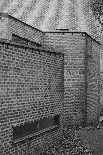 markuskyrkan - björkhagen - sigurd lewerentz - photo aiert