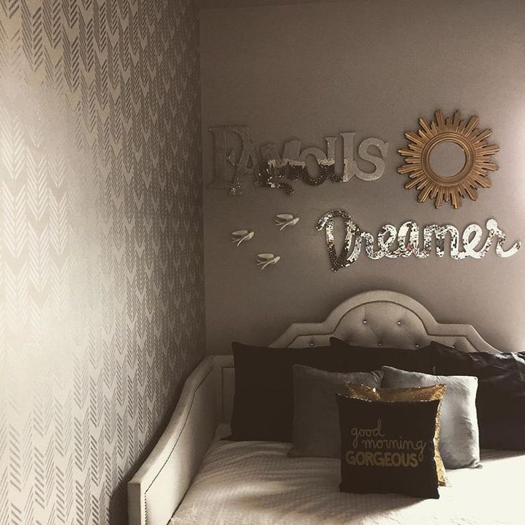 Amazing This Drifting Arrows Stencil Can Make Stunning Accent Walls In Any  Contemporary Interior! Stencil Patterns For Stenciling Walls, Rugs, Floors  And Curtains ...