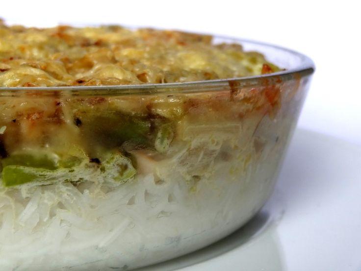 Gratin d'asperges, riz et surimi Un gratin haut en saveurs, le mariage de l'asperge, du surimi qui a un goût de crabe et du riz parfumé. Un plat complet, crémeux et aux textures variées.----------------