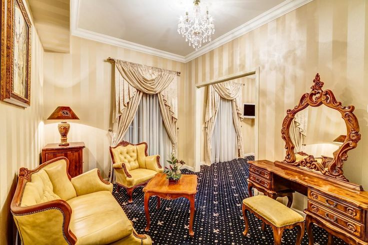 Otrębusy - Pałac