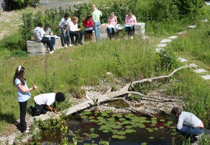 biologieles in de tuin, het Nieuwe Eemland Amersfoort