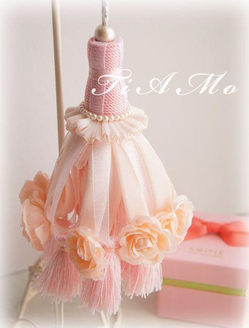 Pink Roses Tassel
