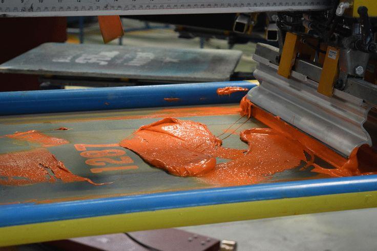 #screenprinting at its best. @mrcompanies #printing #technology #silkscreen #logoprint #printlife bit.ly/1LPZppD