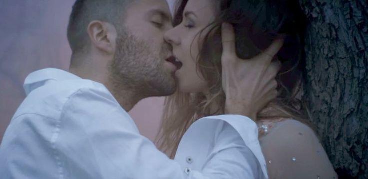 Gromee - Follow You ft. Wurld (Video Klip 2015)  Şarkı Sözleri (lyrics):  Tüm müzik videoları yüksek ses ve görüntü kalitesinde izlesene.com'da!   Music vide...