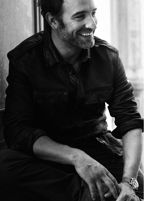 Jean Dujardin has the best smile. So endearing.