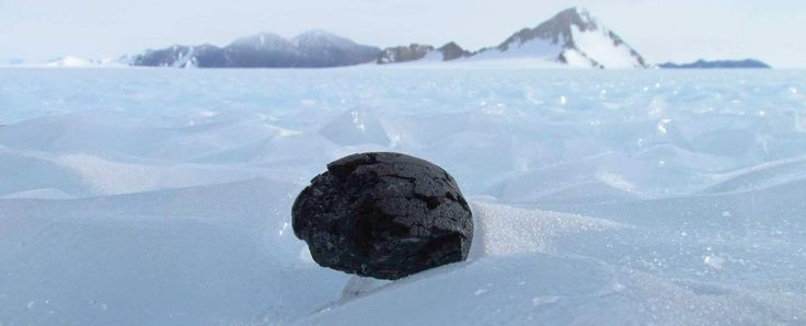 Scientists say they've solved the mystery of Antartica's missing iron meteorites - ScienceAlert