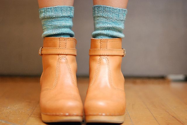 clogs: Brown Leather Boots, Ankle Boots, Cute Scarfs, Tans Bootie, Hands Knits Socks, Color Combinations, Cars Accessories, Clogs Boots, Boots Socks