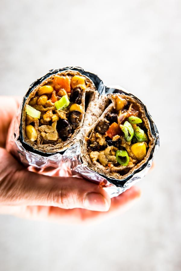 Southwestern BBQ Scrambled Egg Freezer Breakfast Burritos –These southwestern freezer breakfast burritos are filled with plenty of veggies, beans, scrambled eggs and delicious smoky flavors. Stock your freezer with them this week! -  Dan330
