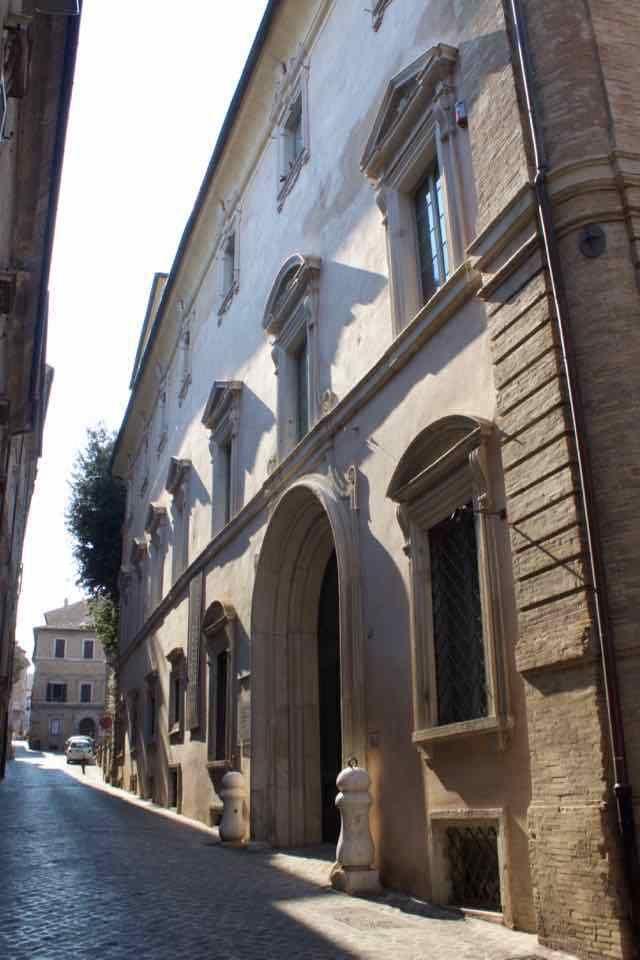 Facciata di Palazzo Buonaccorsi a Macerata