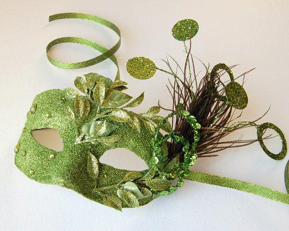 Fun mardi gras mask