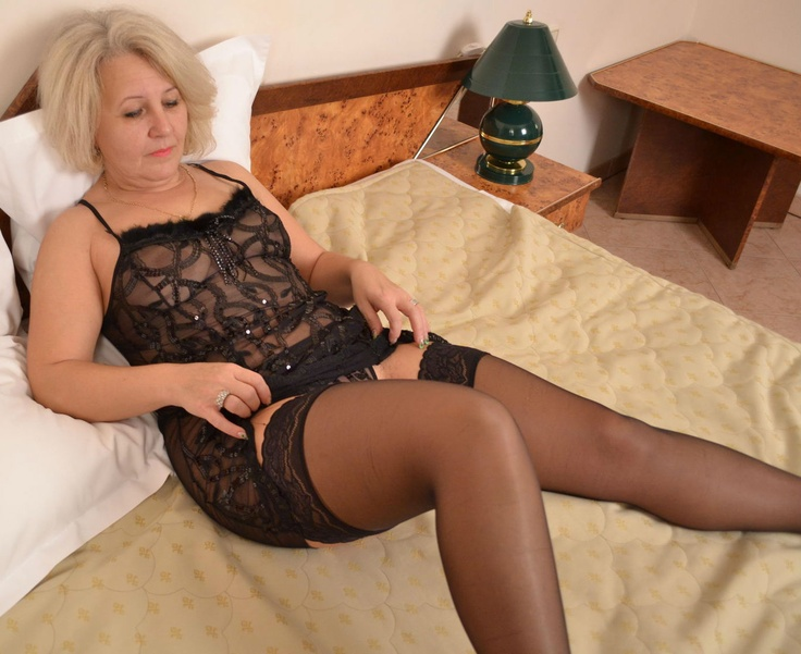 stockingsPantyhoes Mature, Sexy Women, Pantyhose Mature, Mature Pantyhoes, Mature Women