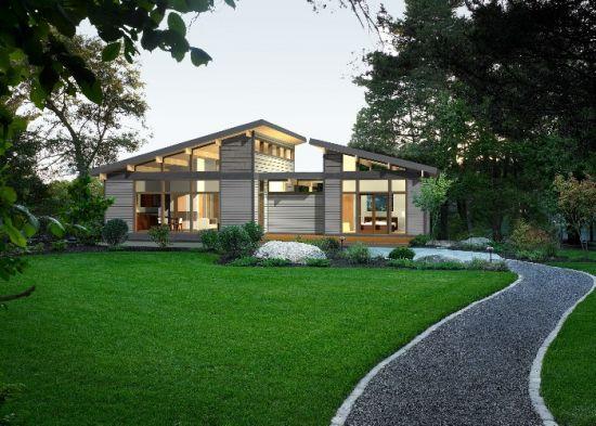 3 Casa cu acoperis cu ape separate