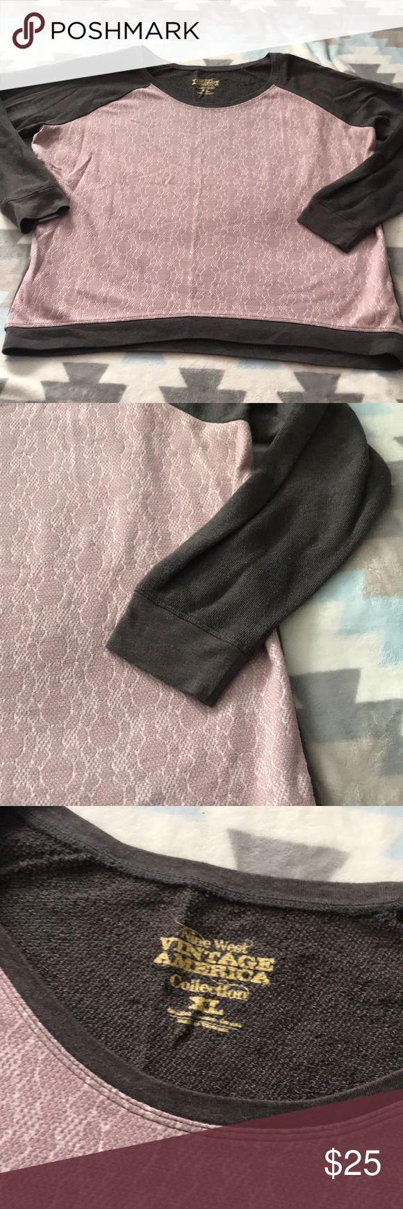 Nine West Crew Neck Sweatshirt Great condition  Size XL Nine West Sweaters Crew & Scoop Necks