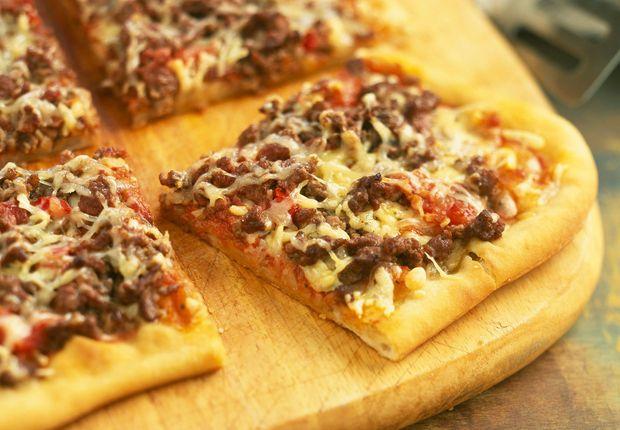 Pizza bolognaise Voir notre recette de la pizza à la bolognaise