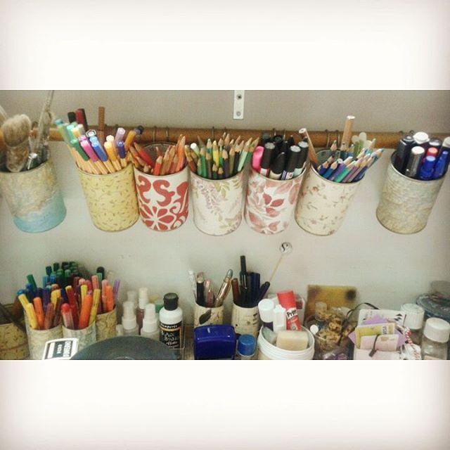 #craftcorner #craft #crafters #craftroom #markers #arttools #artjournaling #artsupplies #craftersdelight #creatività #creativejourney #creativity #diy #faidate #hobby #creativemess