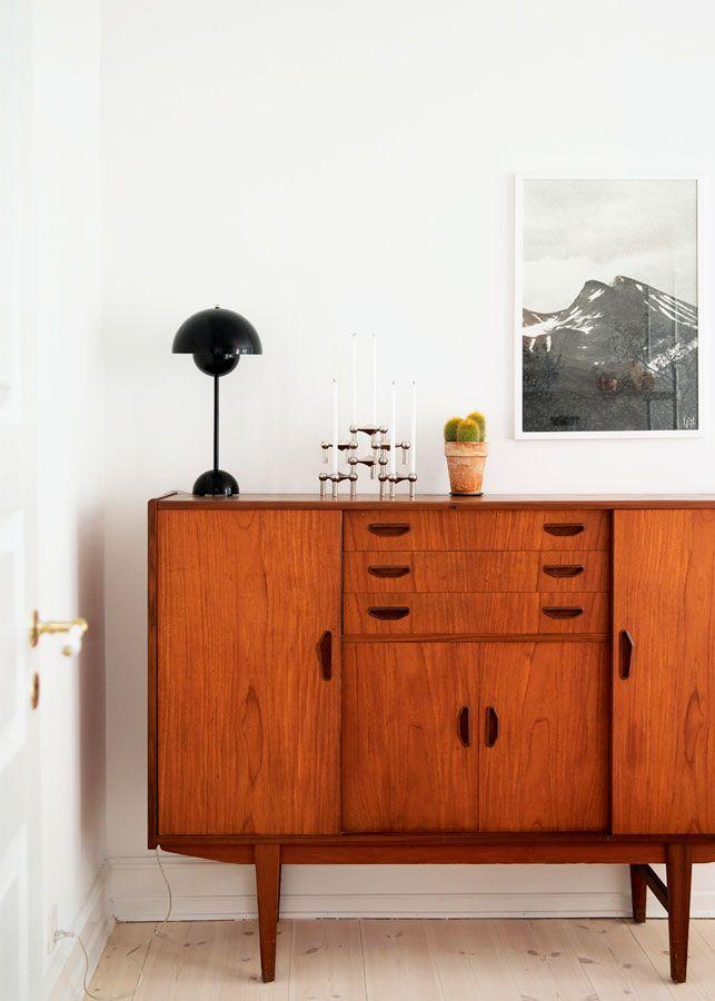 Home tour Vintage et folk à la fois. Une décoration éclectique. Buffet en bois vintage.