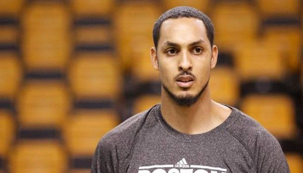Ryan Hollins seguirá en los Clippers - http://mercafichajes.es/09/07/2013/ryan-hollins-seguira-clippers/