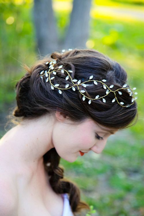 Some wire and beads for a pretty headband. Fairy costume.
