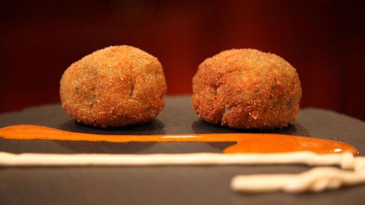 Receta | Croquetas de espinacas, queso gorgonzola y pasas - canalcocina.es