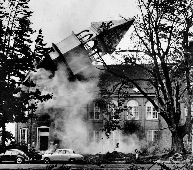 columbus day storm oregon 1962 | Oct. 12, 1962: The steeple atop historic Campbell Hall, on the Oregon ...