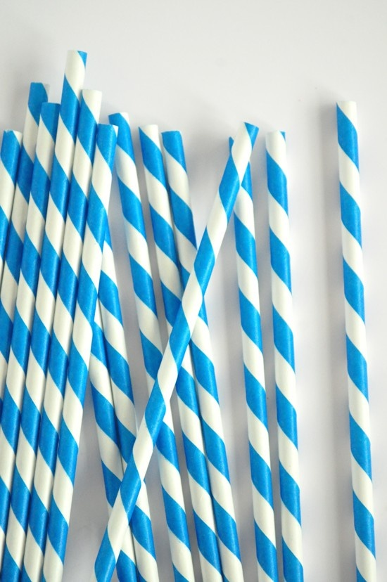 Blue candy stripe straws.