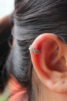 Blume-Ohrring Ohr-Manschette Sterlingsilber Ohr von JCoJewellery