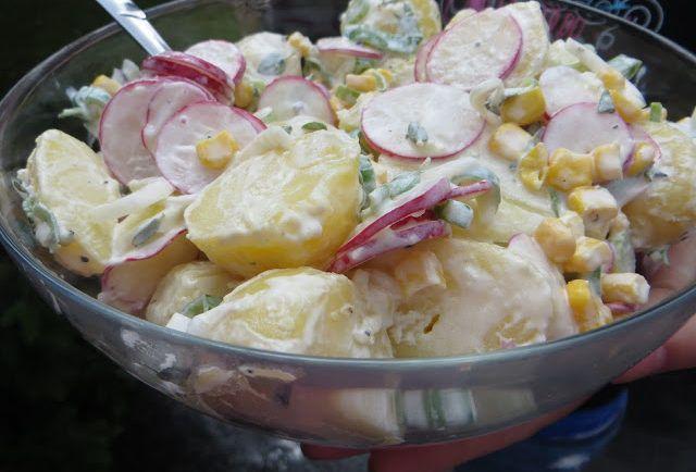 Zemiakový šalát s reďkovkami, kukuricou a kyslou smotanou - Báječná vareška