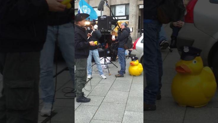 www.staatenlos.info klärt auf  Demo in Köln Demokratie