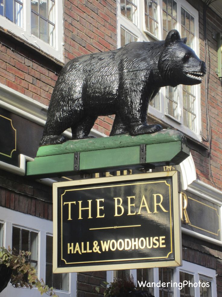 https://flic.kr/p/phj3wM | Pub Sign for the Bear - Horsham | Horsham West Sussex England