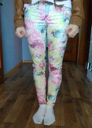 Kup mój przedmiot na #vintedpl http://www.vinted.pl/damska-odziez/rurki/18521236-spodnie-rurki-w-motyw-kwiatowy