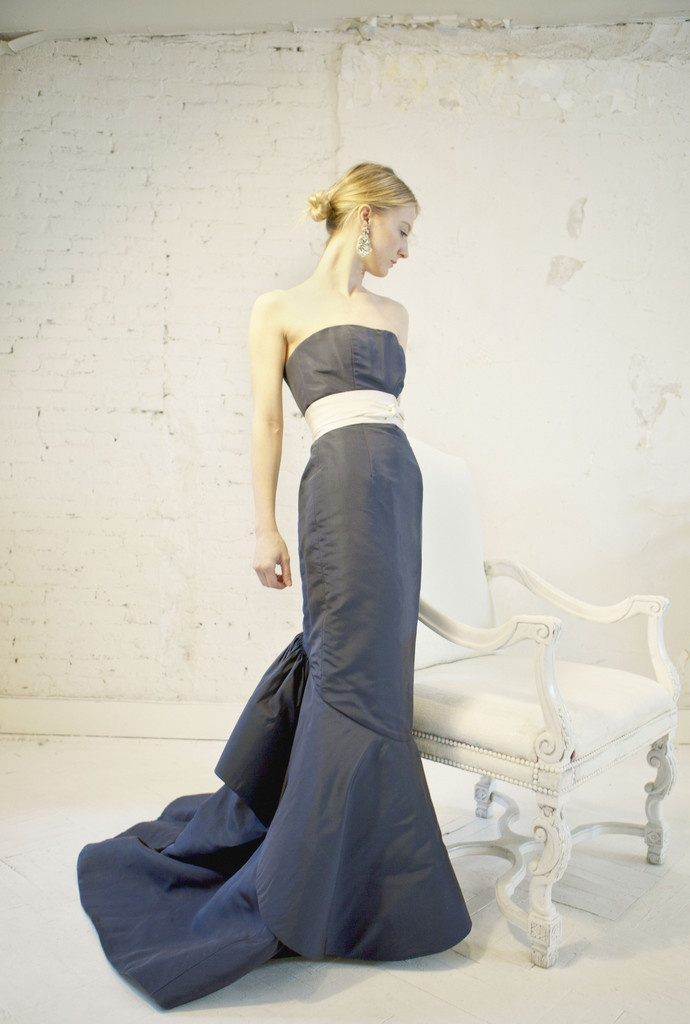 Oscar de la renta bustled midnight blue wedding reception for Midnight blue wedding dress
