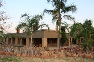 Hartbeespoort backpackers, Red Ivory Backpackers are a 100 percent backpacker hostel, where we provide affordable accommodation for the average traveller, we are by no means a lodge or hotel.