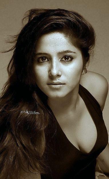 #Photo_gallery #Actress_Kate_sharma...See more<>http://www.cinebilla.com/kollywood/photo-gallery/actress/kate-sharma.html