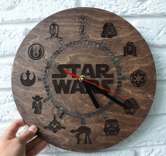 Star wars wooden wall clock Wood Joda Darth Vader Custom engraved Home Housewarming gift Home decor R2D2 Style Hanging clock Modern clock