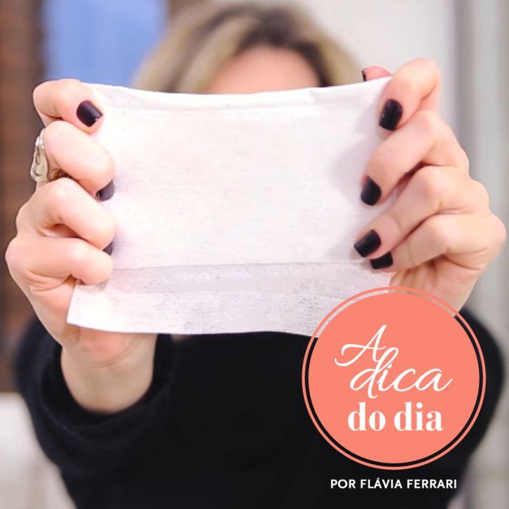 Como tirar manchas de desodorante nas roupas escuras usando lenços umedecidos: dica vapt vupt para resolver este problemão   para mais dicas, clique na #aDicadoDia com Flávia Ferrari