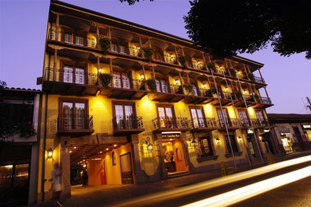 Hotel Santa Cruz at night.  #Colchagua
