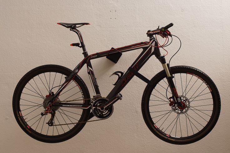 1000 ideen zu fahrradhalter auf pinterest velo fahrrad. Black Bedroom Furniture Sets. Home Design Ideas