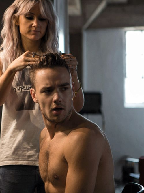 LIAM i do not CARE about your shirtless body rn i am only interested in the HAIR of LOUISE TEASDALE