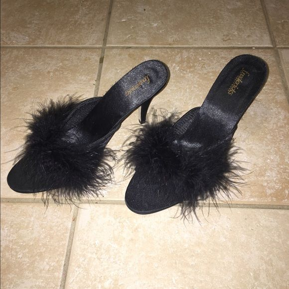 PRICE DROP $30 FREDERICK'S OF HOLLYWOOD VINTAGE FREDERICK'S  OF HOLLYWOOD BLACK SATIN SLIPPERS WITH GAIX FUR N 3 INCH HEELS NEW WITHOUT TAGS SIZE 10 Frederick's of Hollywood Shoes Slippers