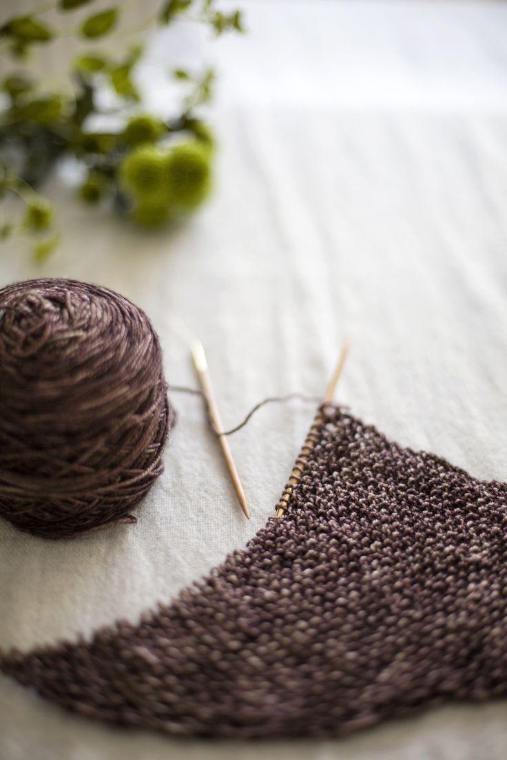 Seed stitch love... Yarn: Madelinetosh Tosh Sock, colourway Kale.
