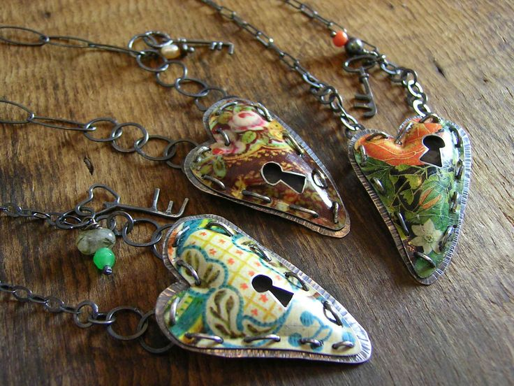 Recycled tin can jewelry - so beautiful! via Etsy http://www.fluxplay.co.uk/page6.htm