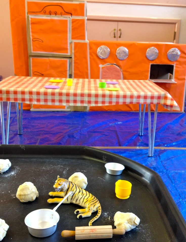 Tiger who came to tea, tiger craft, red jelly, red jelly kids, red jelly, cardboard kitchen, kitchen play, dough play, tiger party, tea party