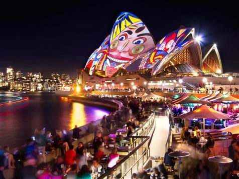 Vivid Sydney breaks its 2013 attendance and sets a new record defining this festival of light, music and ideas internationally.