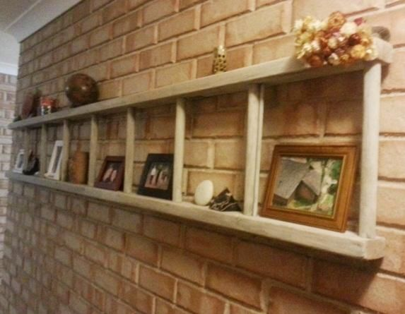 We have a million old ladders in the garage I gotta do this, so cute! #rustic