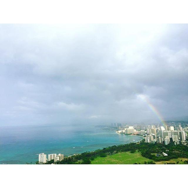 【nicoshop】さんのInstagramをピンしています。 《☺︎hayoᵕ̈* 朝から虹が見れた🌈 . . #diamondhead #ダイヤモンドヘッド #rainbow #レインボー #trip #surftrip #Hawaii #ハワイ #Waikiki #ワイキキ #surf #surfing #surfgirl #サーフィン  #サーファーガール #サーフガール #サーフィン女子  #sea #beach #海 #ビーチ》