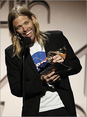 taylor hawkins. My husband. No questions. Julia Hawkins right here (;