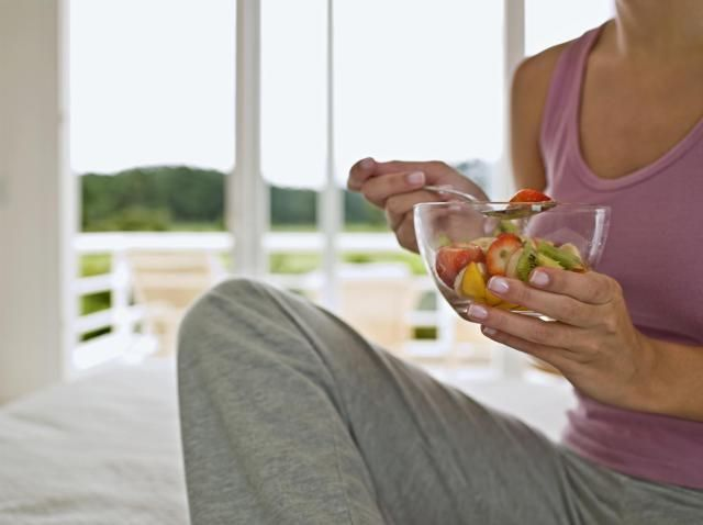 Find out how improving your diet may help you better control symptoms of fibromyalgia and chronic fatigue syndrome.
