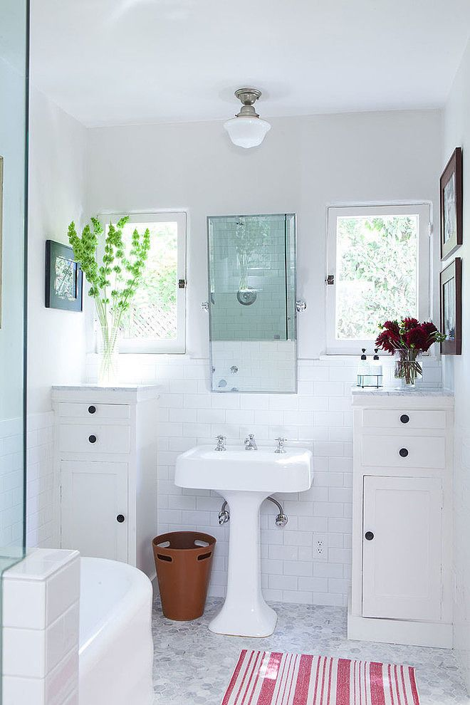 ::so loving this bathroom...it needs a white rug and crystal chandelier::